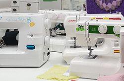 Exposición máquinas coser Dori